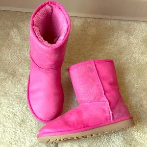 Other - Pink UGG boots short